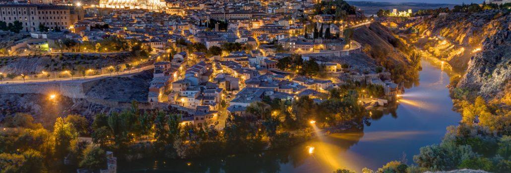 the-old-city-of-toledo-in-spain-PBRXU8Z